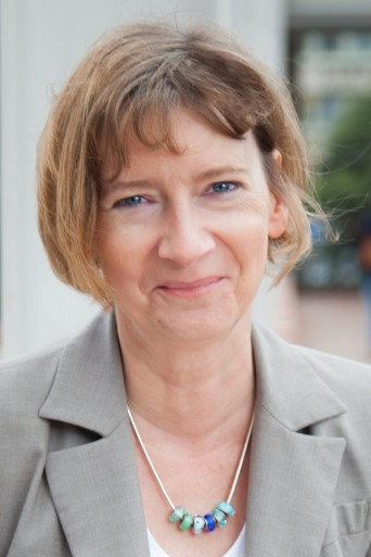 Dr. Holle Nester