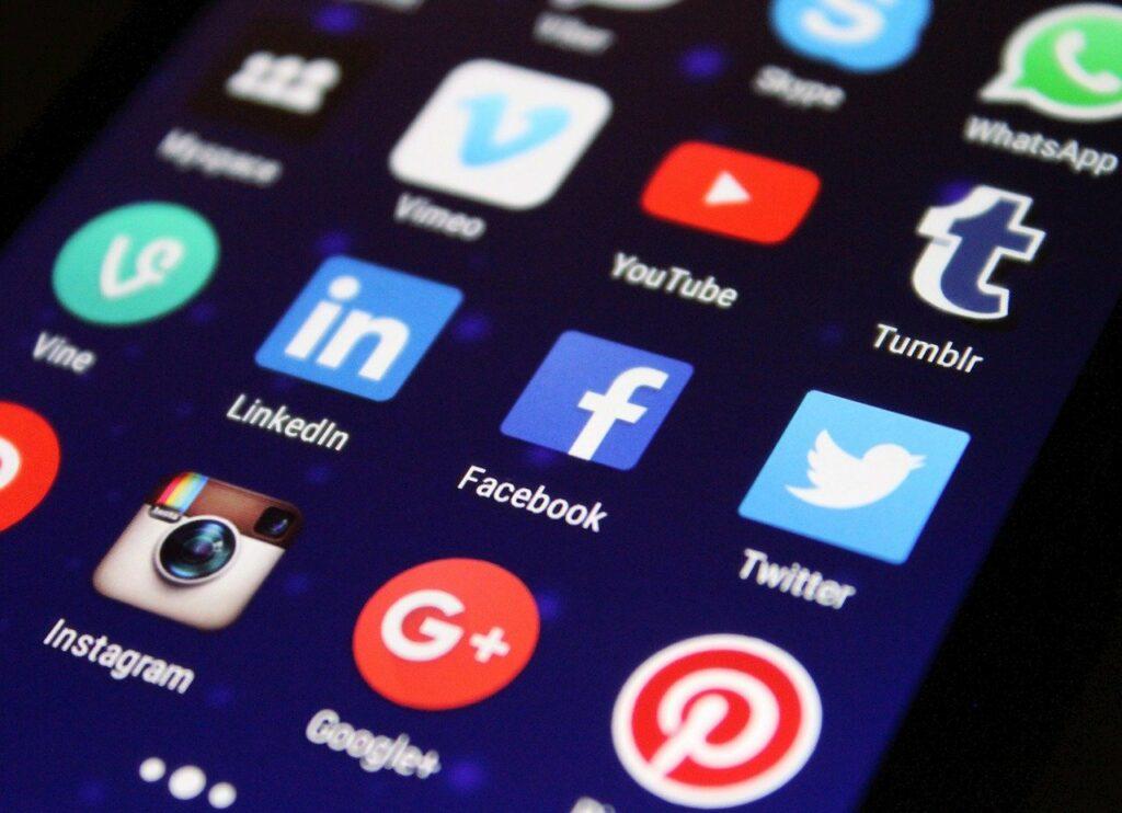 Social Media wann posten